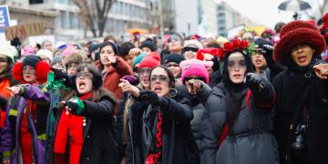 Marchan miles de mujeres por la igualdad de género y los derechos humanos en EU