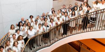 Legisladoras demócratas visten de blanco en EU / Foto: Twitter @RepLoisFrankel