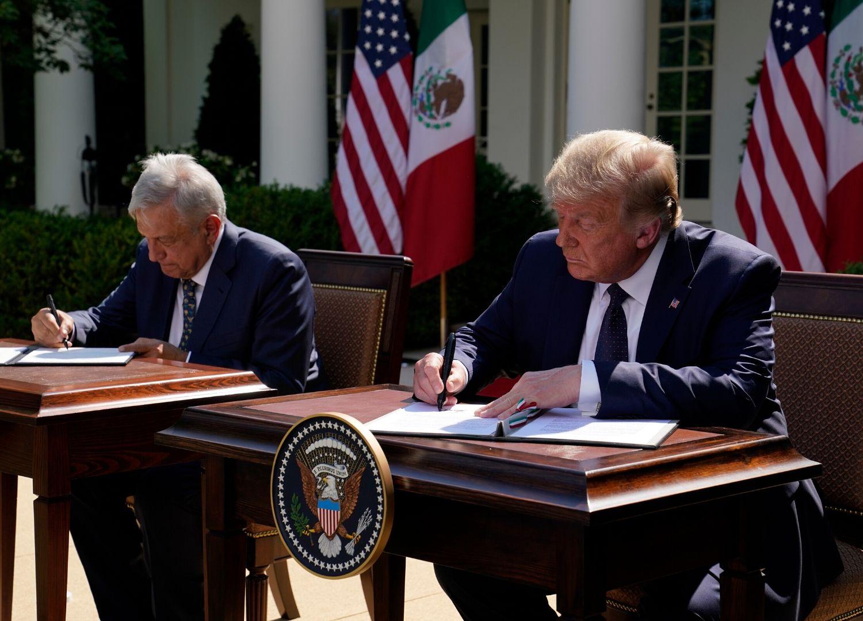 Los presidentes de México, Andrés Manuel López Obrador, y de Estados Unidos, Donald Trump firmaron la Declaración Conjunta por el inicio del T-MEC.