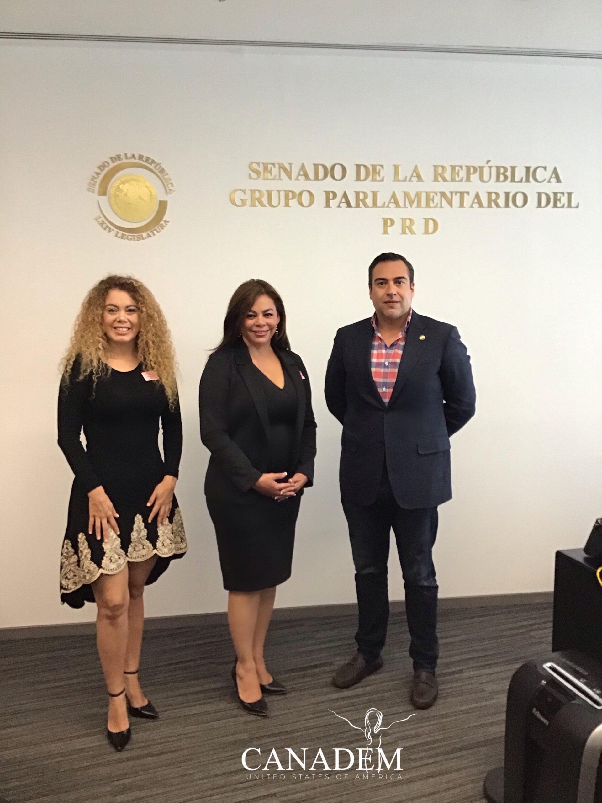 (Izq. a der.) Fabiola Bribiesca, Sonia Morffi y Marcos Trejo.