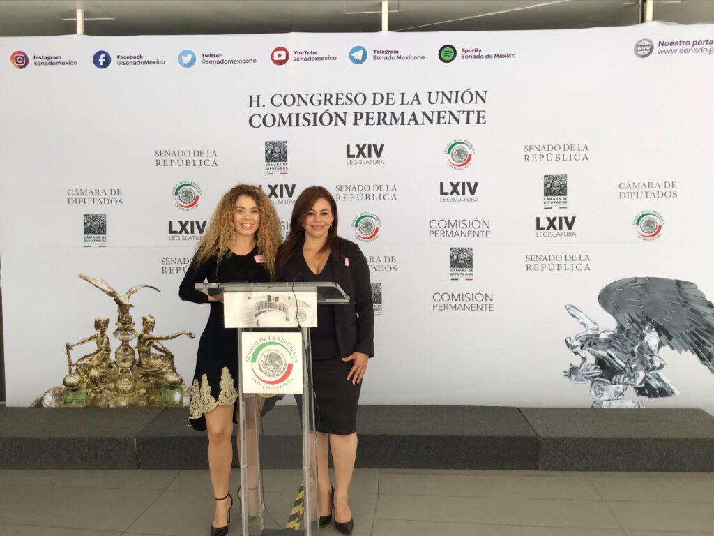 (Izq. a der.) Fabiola Bribiesca y Sonia Morffi.